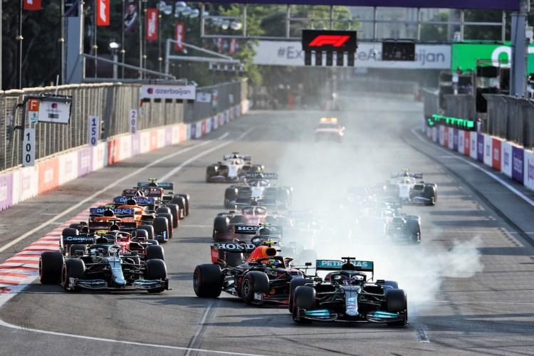 L'errore di Lewis Hamilton alla ripartenza del GP di Baku