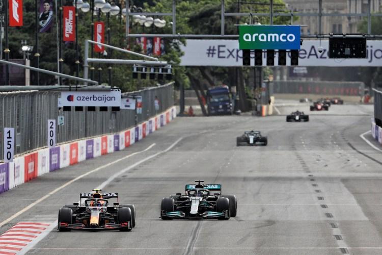 Lewis Hamilton e Sergio Perez