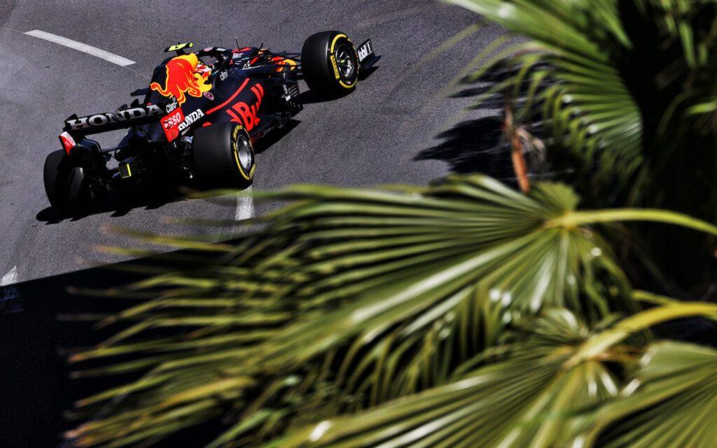 FP2 Baku: comanda Perez, poi Verstappen e le due Ferrari