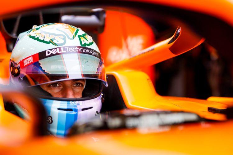 Daniel Ricciardo alla guida di una McLaren