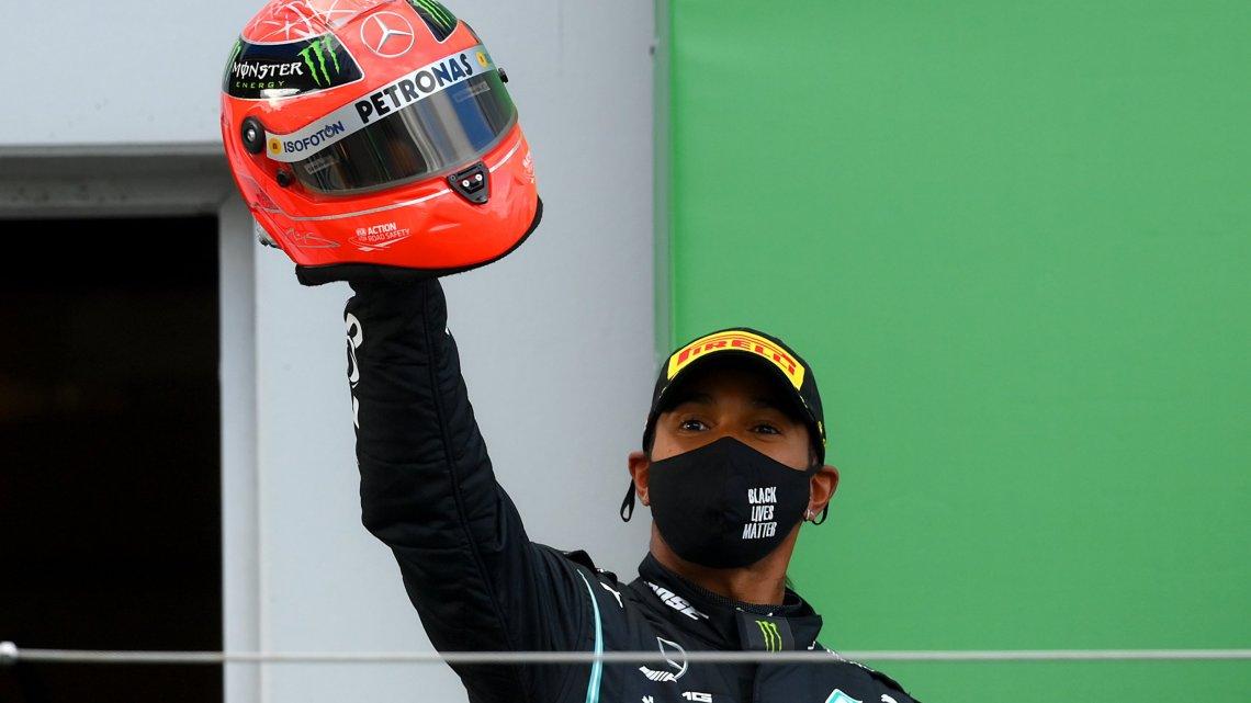 """Lewis Hamilton: """"Non è mai stato possibile firmare per la Ferrari e non saprò neanche il perché."""""""