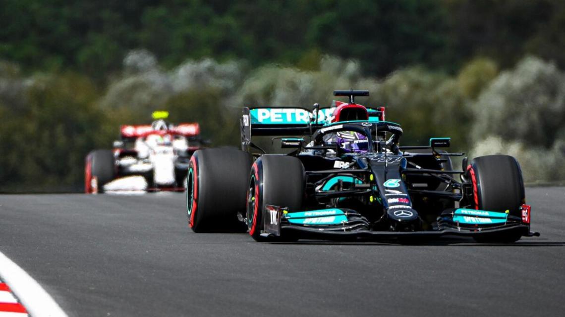 """Hamilton penalizzato di 10 posizioni: """"Ho bisogno della pole"""""""