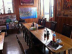 昭和のにおいぷんぷん。珈琲も飲めます。旅の計画を練るのに最高。 朝食は目玉焼き焼きたて