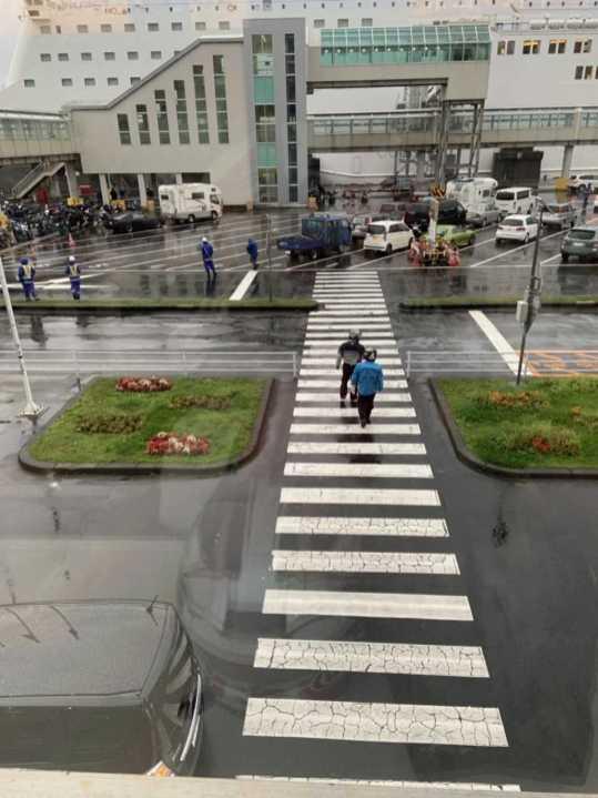 雨の中でバイク搭乗