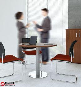 Okrągły stolik na metalowej podstawie