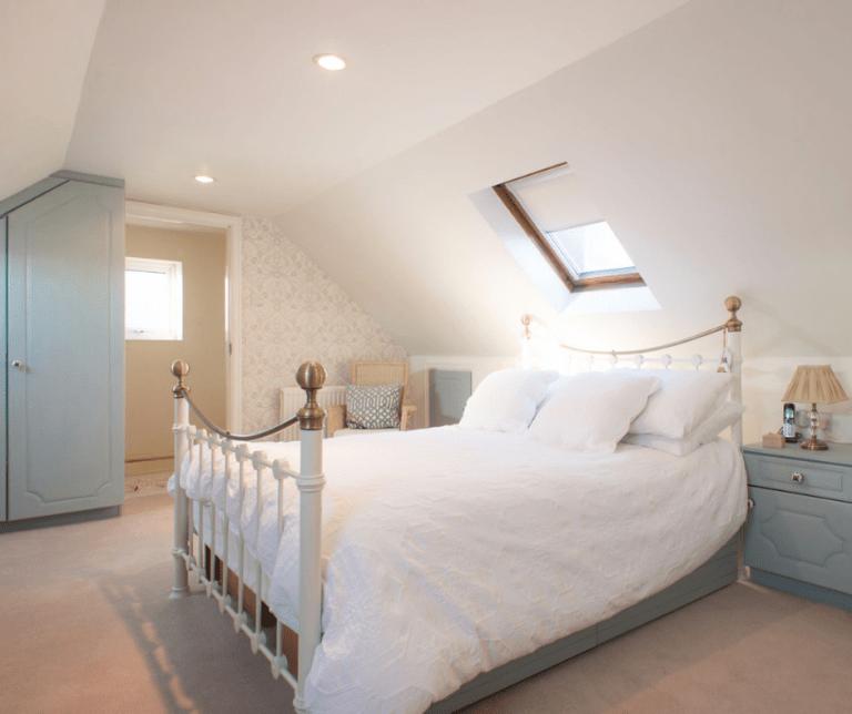 Bedroom Painted in Wedgewood Blue - 04