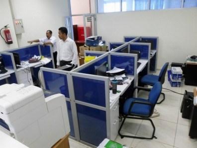 jual meja plus sekat kantor bahan kain - furniture semarang
