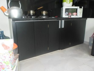 kitchen set 2 warna monokrom hitam putih furniture semarang (10)