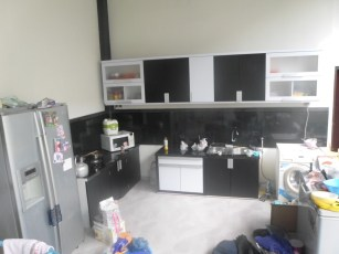 kitchen set 2 warna monokrom hitam putih furniture semarang (8)