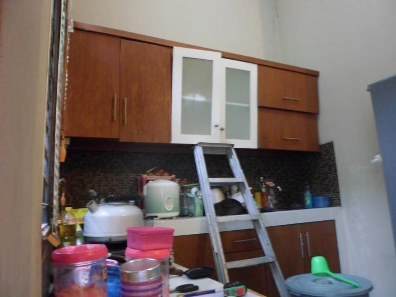 kitchen set menggantung kuat di tembok (4)