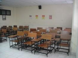 ruangan sebelum dimaintain (3)