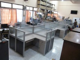 meja-partisi-kantor-2