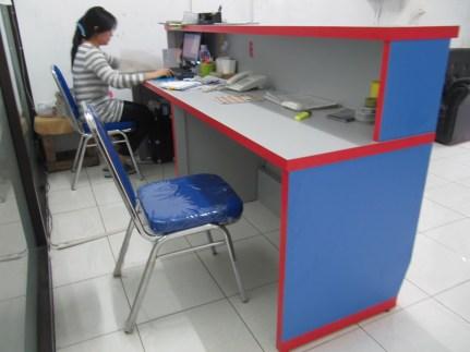 meja-lobby-meja-kasir-untuk-kantor-gudang-2