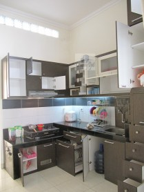kitchen-set-terbaru-2017-meja-hias-ruang-tamu-pesan-furniture-di-semarang