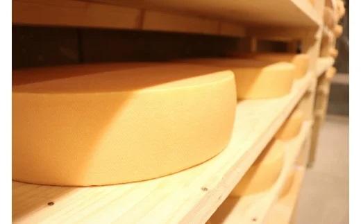 ラクレットチーズ ホールサイズ イメージ