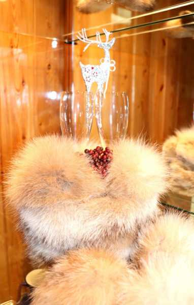 Natural Fur Pom Poms
