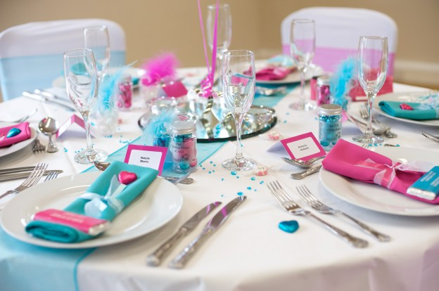 Turquoise And Pink Table Reception Ideas Fuschiadesigns