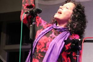 Singer at FUSF