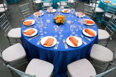 Table decoration with the Fusion Logo colors