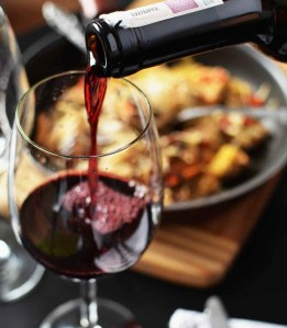 American & Soul Food cuisine sourced locally with hand-crafted cocktails and delicious wines
