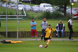 1765000379-fussball-a-klasse-kreisklasse-relegation-aufstieg-schwindegg-mehring-pqa6
