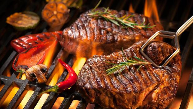 تتبيلات اللحم المشوي والكفتة مثل الحاتي مع طريقة الشوي في المنزل