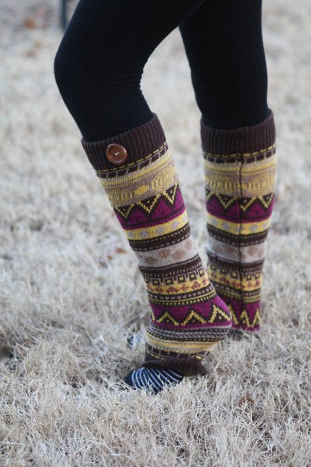 دقيقتين لتدفئة الساقين طريقة جوارب large_socks-with-boo