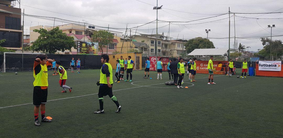 ejercicios de fútbol en ecuador en las pruebas futbalia de la ciudad de Guayaquil