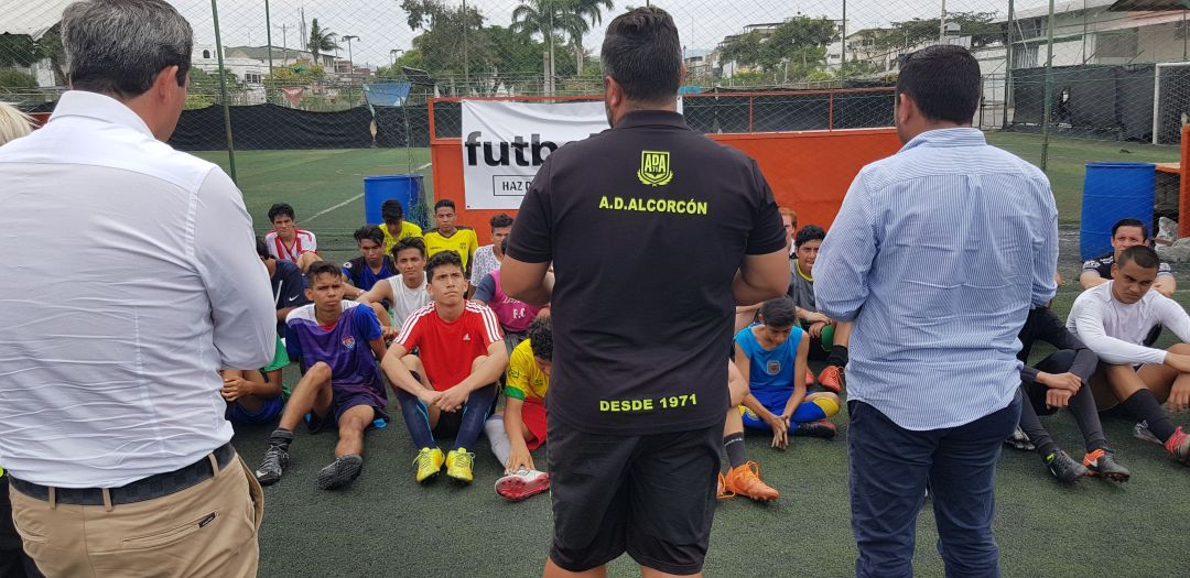 selección de ganadores que vendrán a España con futbalia