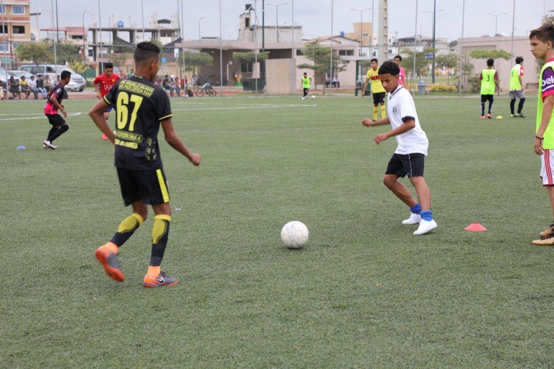 Entrenamiento de fútbol en Ecuador para acceder a club de España