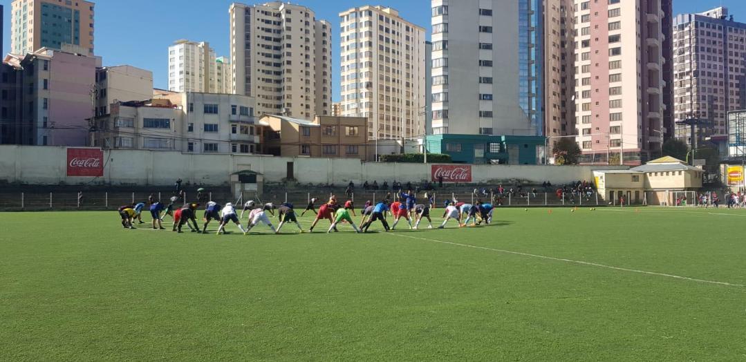 entrenamiento en estadio mítico de bolivia