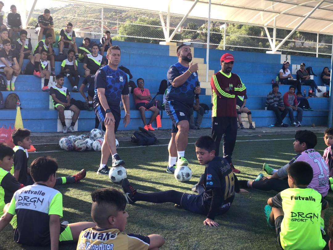 seleccionando talentos de fútbol bolivianos con futbalia
