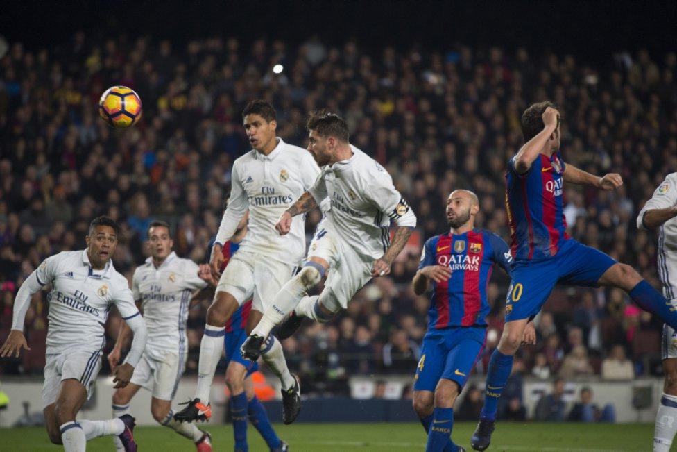 Cabezazo de Ramos al final. Un clásico