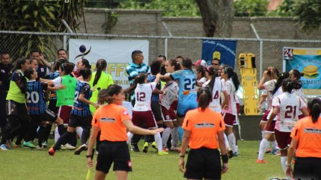 Agresiones presentadas luego de la presunta agresión de Paul Mayorga a Ivonne Rodríguez en la final de futbol femenino.