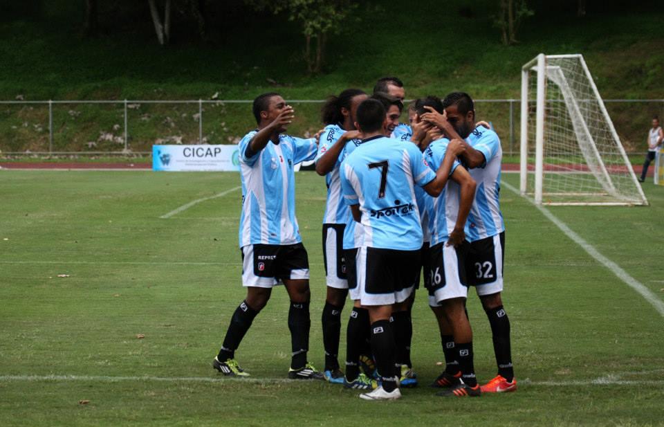 El equipo celebraba un gol contra Uruguay en el Ecológico. Fotografía tomada del perfil de Facebook del Club.