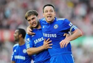 Parte de la defensa Blue: Terry e Ivanović