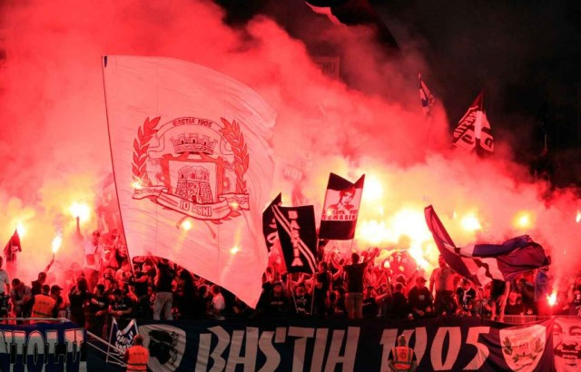 2048x1536-fit_supporters-bastia-lors-reception-nice-19-septembre-2015