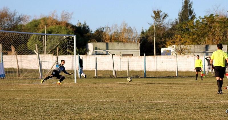 De penal Diego Perez ponía el empate que duró solo un minuto