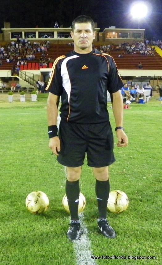 Marcelo Larrama arbitra Lavalleja-Cerro Largo