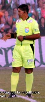 Walter Brajus el árbitro de la final.