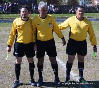 Los árbitros. Foto Isidro Rocca