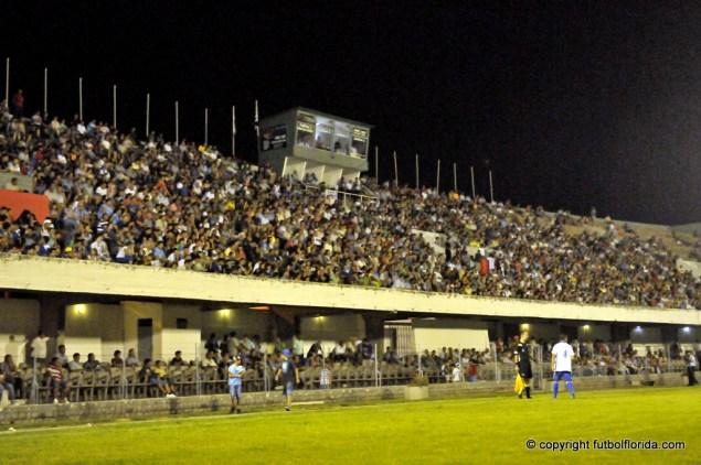 Mudo quedó el Estadio J. A. Lavalleja.