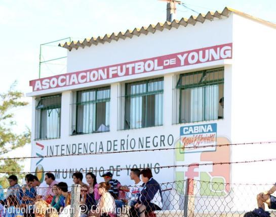 Estadio Lavalleja de Young