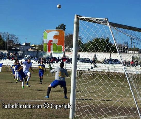 Colina goleó a Estudiantes SGP. Foto Freddy Silva