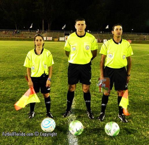 Andres Castro con Galizzi a su derecha y Godoy a la izquierda Foto Julio Cesar