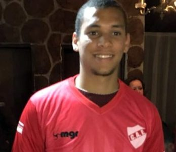 Bernardo Ledesma con la nueva camiseta de España