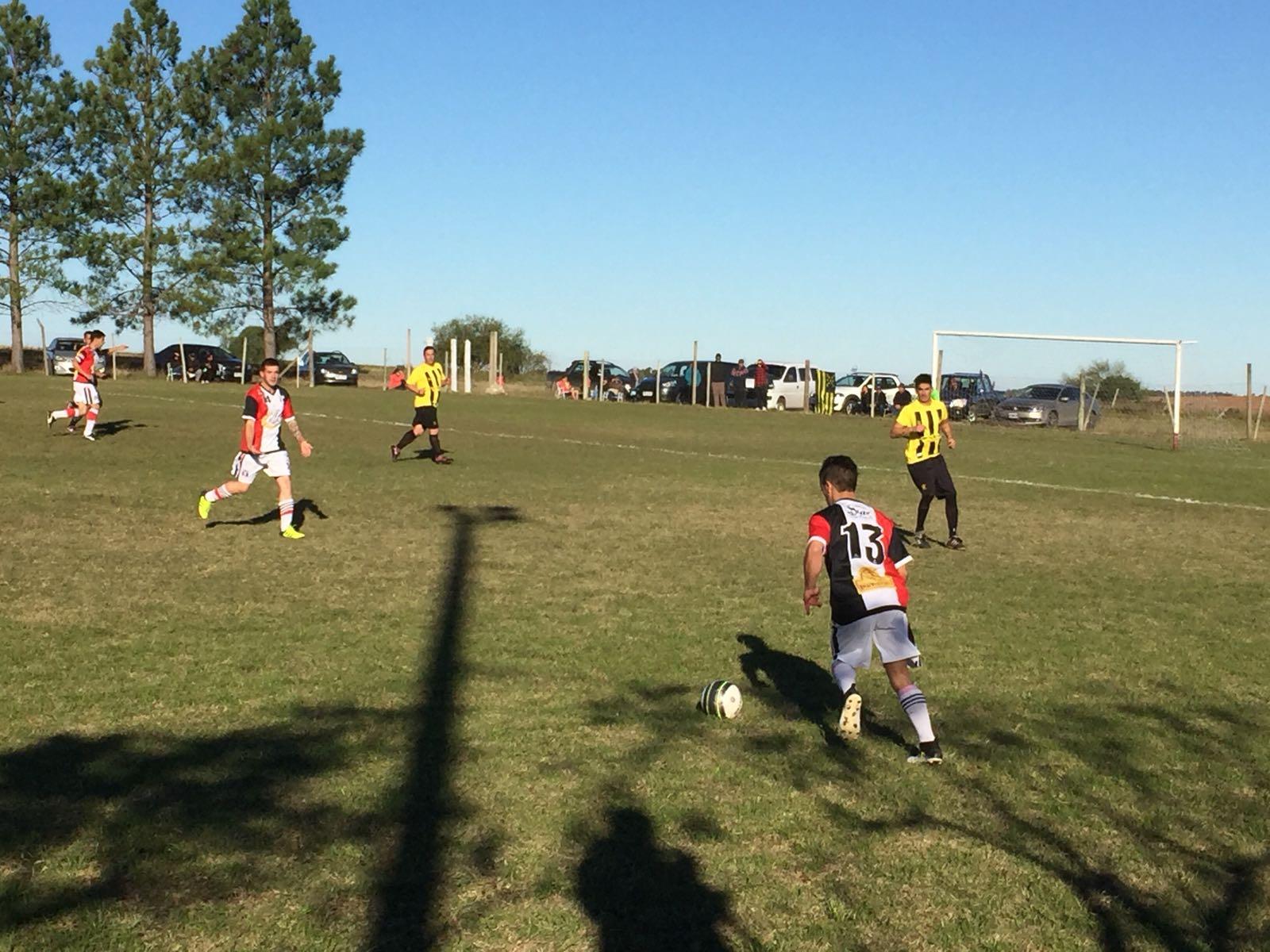 En Ecilda se jugaron las semis de ida. Peñarol cantó lotería en Juncal.