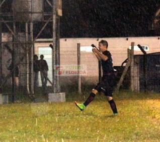 Joaquín Irazoqui en su noche soñada, marcó los tres tantos de canelones que se quedó con la 1era Final
