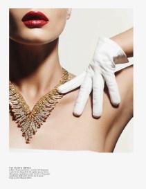 editorial-vogue_paris-outubro-2013-crystal_renn-6