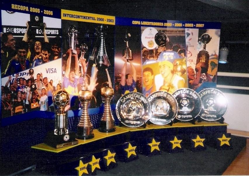 Colecionador de copas: 2 dos 3 Mundiais e 4 das 6 Libertadores do Boca
